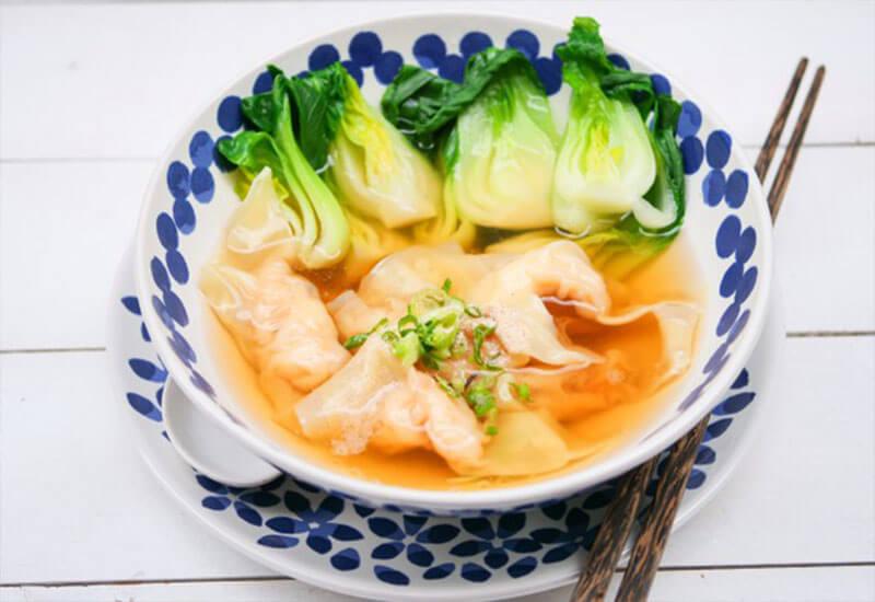 Shrimp dumpling soup: chinese traditional food