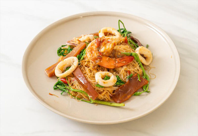 Shrimp with vermicelli and garlic